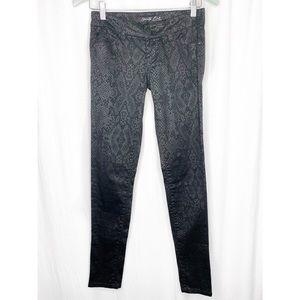 🌸2/$30 Black snakeskin pattern skinny jeans